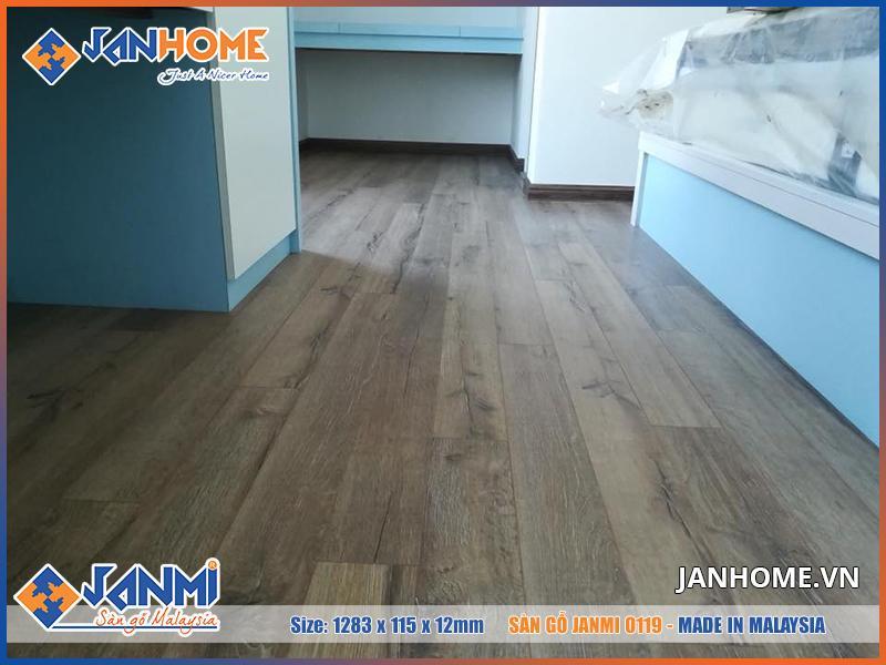 Sàn gỗ Janmi O119 chất lượng tốt, phù hợp để lắp đặt cho chung cư cao cấp