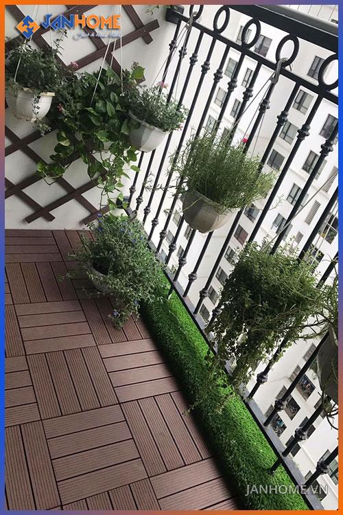 Vỉ gạch gỗ nhựa chuyên lát sàn ban công, sân thượng