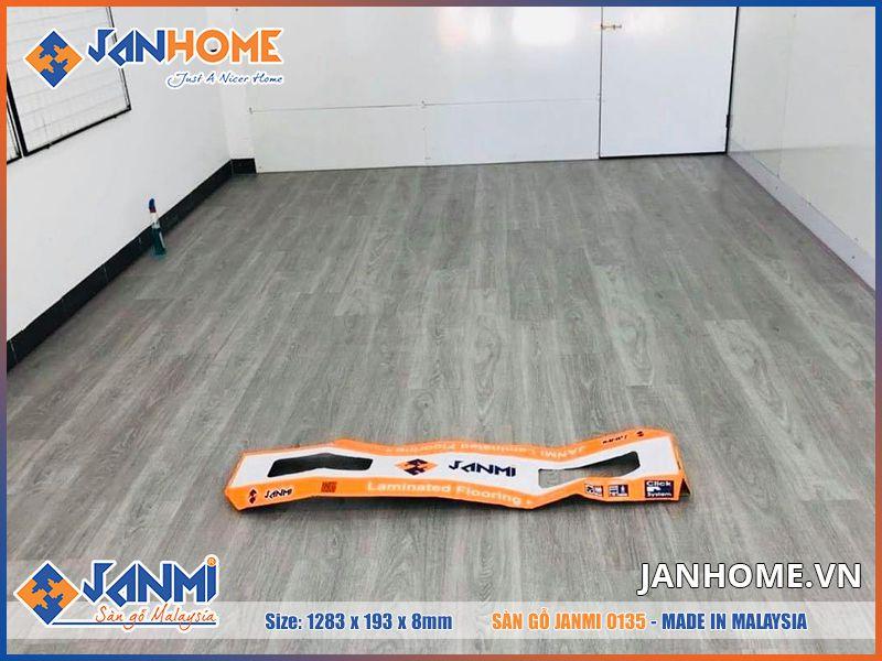 Sàn gỗ Janmi O135 là một trong những mẫu sàn gỗ Janmi mới nhất của năm 2020