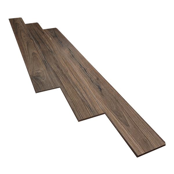 Ưu điểm nổi bật của sàn gỗ JANMI W19 – 12mm Hệ thống bảo vệ hèm Vacumat®: Công nghệ sử dụng tinh dầu tự nhiên thực vật phủ 4 cạnh của tấm ván gỗ cùng một lớp parafin bao phủ hèm khóa giúp giảm ma sát giữa các tấm ván khi lắp đặt. Từ đó làm giảm tiếng ồn khi di chuyển trên sàn và ngăn chặn độ ẩm xâm nhập vào sàn gỗ qua các khe rãnh. Đây là ưu điểm độc đáo của sàn gỗ JANMI, giúp sản phẩm được người tiêu dùng Việt Nam vô cùng ưa chuộng Hèm khóa R – Click: Hệ thống hèm khóa độc quyền không sử dụng keo giúp các ván sàn được khớp chặt với nhau một cách hoàn hảo, giữ liên kết ván sàn trong thời gian dài,. Đồng thời tạo sự dễ dàng khi tháo lắp và có thể tái sử dụng các ván sàn một cách hoàn toàn Cốt HDF được sản xuất từ các cây gỗ nhiệt đới ít giãn nở và được ép cường độ cao với trọng lượng lên tới 880gr/cm3. Điều này giúp cho sàn gỗ Malaysia janmi 12mm chịu được lực nén và chống va đập mạnh Độ giãn nở sau khi ngâm nước hoàn toàn của JANMI sau 24h là 8% (Tiêu chuẩn sàn gỗ công nghiệp Châu Âu hiện nay là 18%) vì vậy JANMI được gọi là sàn gỗ siêu chịu nước. Các thành phần khác như giấy tạo vân, lớp oxit nhôm chống trầy xước, lớp cân bằng được nhập khẩu từ những nhà cung cấp hàng đầu tại châu âu Đức, Bỉ, Áo Nhờ sự ổn định chất lượng cũng như thường xuyên nghiên cứu nâng cao chất lượng mẫu mã nên JANMI đạt được rất nhiều chứng chỉ uy tín: ISO 14024 (Chứng chỉ viện chất lượng Malaysia), Chứng chỉ SIRIM QAS Institute For Wood Research và DRA (Đức) cung cấp, MS ISO 9001 : 2008 certified, Singapore Green Label Scheme, CHỨNG NHẬN EN 13329:2009, Tested to Comply with CE Marking, Chứng chỉ IQNET, Certificate of Export Excellence 2010, Taiwan Green Building Materials, Homedec'11 Quality Award… Sàn gỗ JANMI là sàn gỗ Malaysia đang trở thành xu hướng chọn lựa sử dụng của người tiêu dùng Việt Nam. Hiện nay, sản phẩm có lượng tiêu thụ lớn hơn những sàn gỗ công nghiệp khác đến từ Trung Quốc và Thái Lan